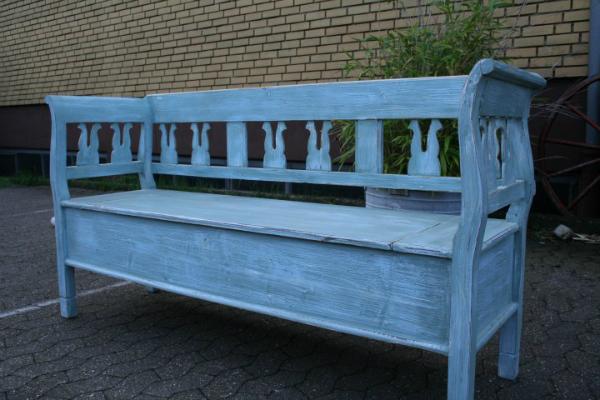 biedermeier-bank-vintage-von-hand-gestrichen-in-blau