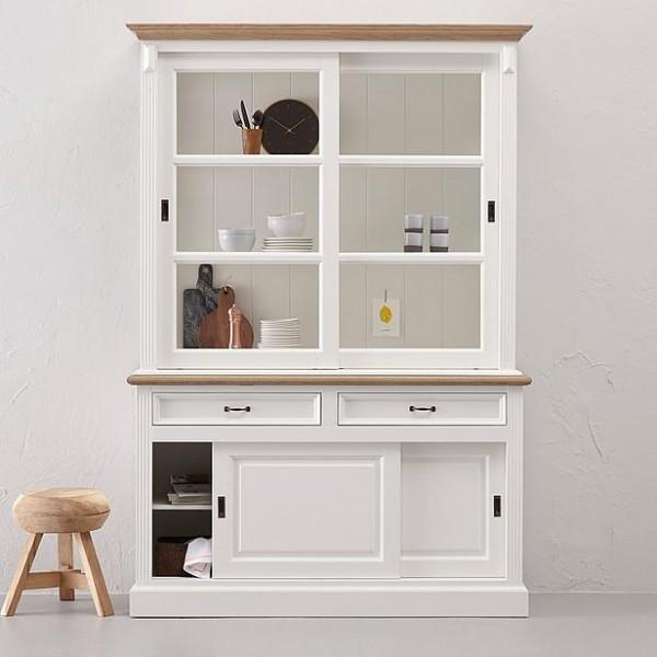 edler vitrinenschrank aus massivholz wohnpalast magazin. Black Bedroom Furniture Sets. Home Design Ideas