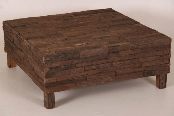 Salon Tisch aus recycletem Holz