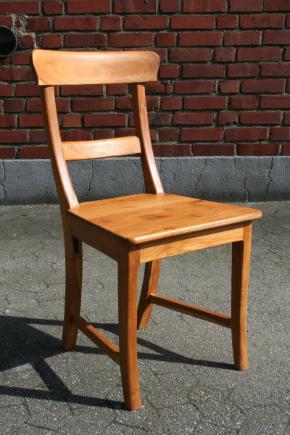 Stuhl Mariotto Teakholz geoelt Sitzhoehe 45 cm 87x40x45 cm