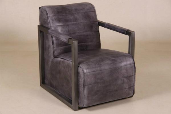 "Sessel ""Leeds"" aus schwarzem Büffelleder"