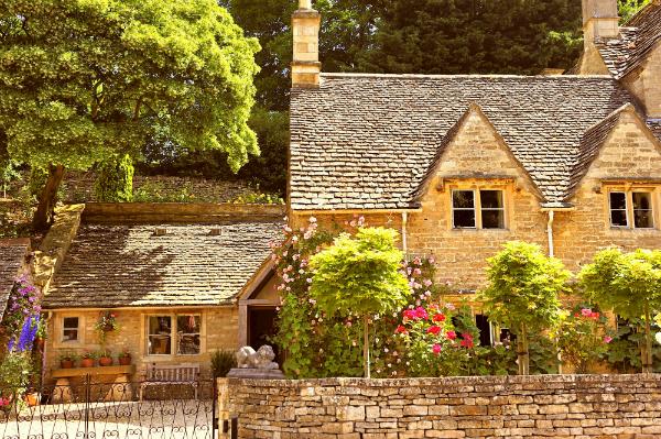 Ein typisches Englisches Cottage mit prachtvollem Garten