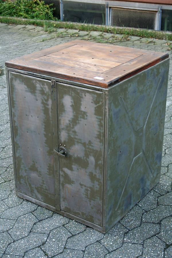 industrie-schrank-metall-schrank-vintage