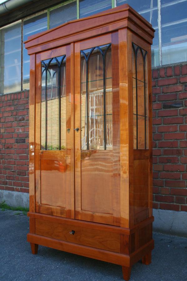 biedermeier-kirschholz-vitrine