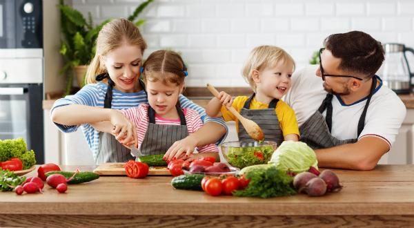 """Gemeinsam kochen und essen steigert das """"Wir""""-Gefühl"""