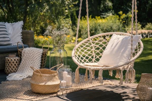 Wie die Schaukel im Garten am besten befestigen