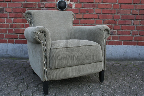 lounge-sessel-mit-gemuetlich-einladendem-cordbezug