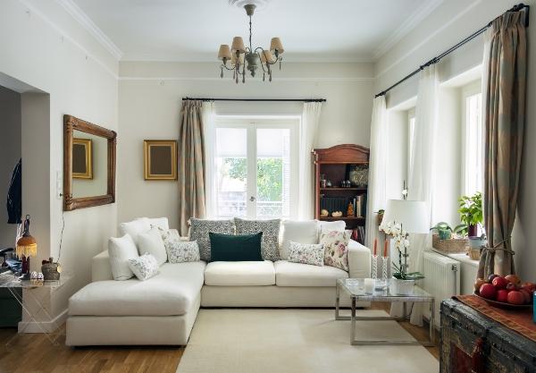 grosses-wohnzimmer-landhausstil-polstermoebel-im-landhaus