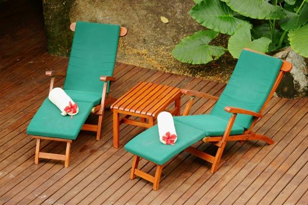 relaxliegen-teakholz-gemuetliche-teakliegen