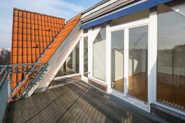 dachterrasse-wohnung-im-dachgeschoss-einrichten