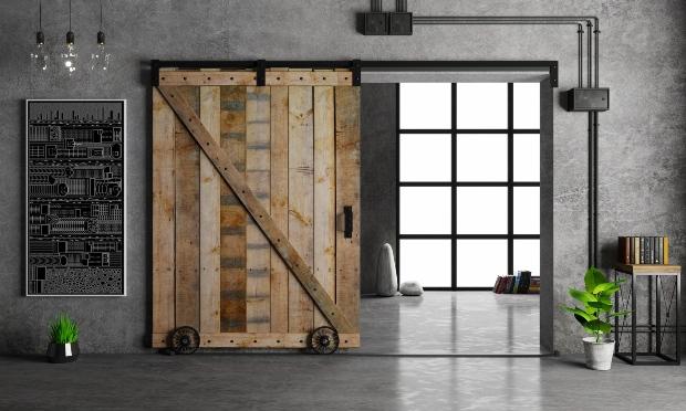 Industrieloft mit Holztür