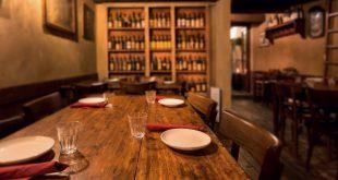 Gaststätte mit traditioneller Einrichtung