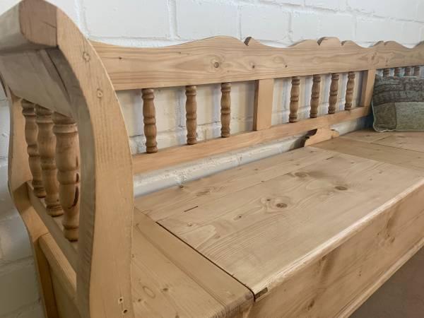 truhenbank-spindel-aus-weichholz-gewachst-240-cm-holzoel-oder-wachs