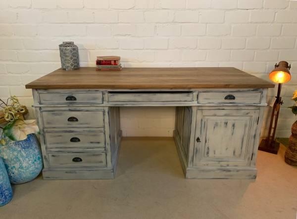 Schreibtisch Teakholz shabby grau-teak Atelier einrichten