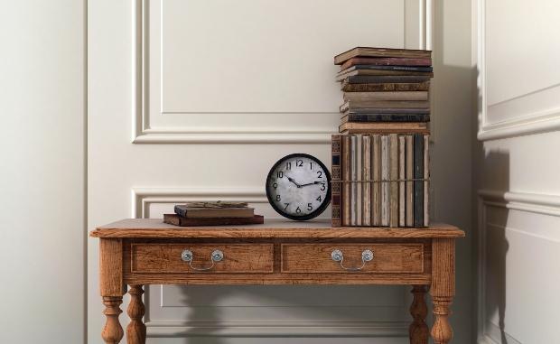 Antiker Beistelltisch - zeitlose Möbel
