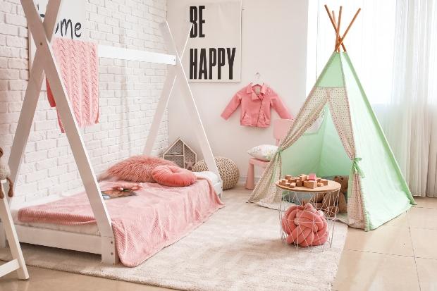 Zeltbetten als Spielplatz