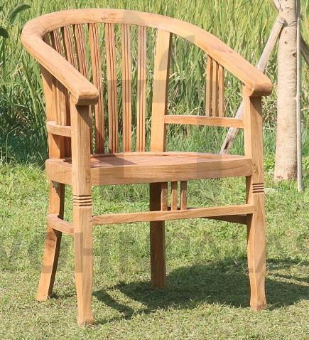 Stuhl Betawi aus gebürstetem Teakholz mit Armlehnen