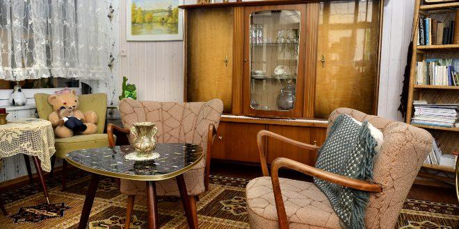 altbackene Inneneinrichtung, 60er Jahre Stil
