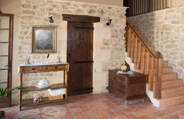 Eingangsbereich im Landhaus Style - Stilvoll einrichten mit antiken Möbeln