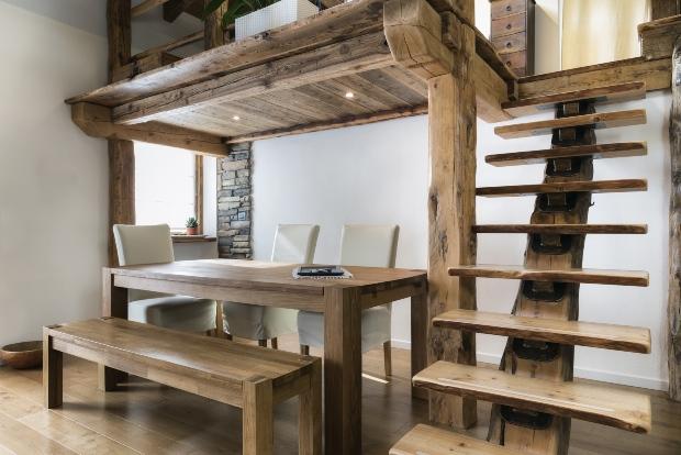 Stilvolles Landhaus Interieur - Tisch-Unikate
