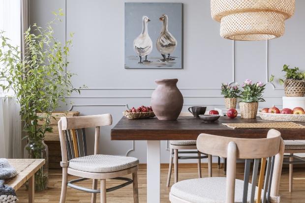 Wohnung mit natürlichen Einrichtungsgegenständen - Einrichten im Cottage Style