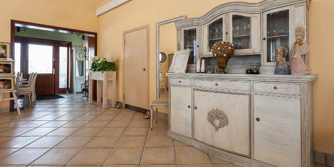 Klassische Möbel, Vintage Inneneinrichtung