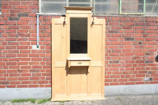 Garderobe Weichholz antik