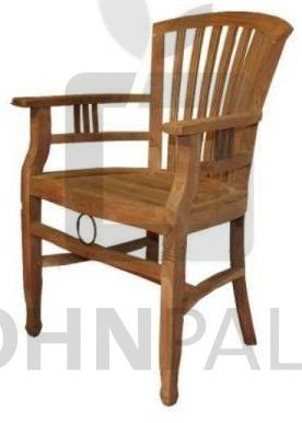 Stuhl Endang mit Armlehnen aus massivem Teakholz