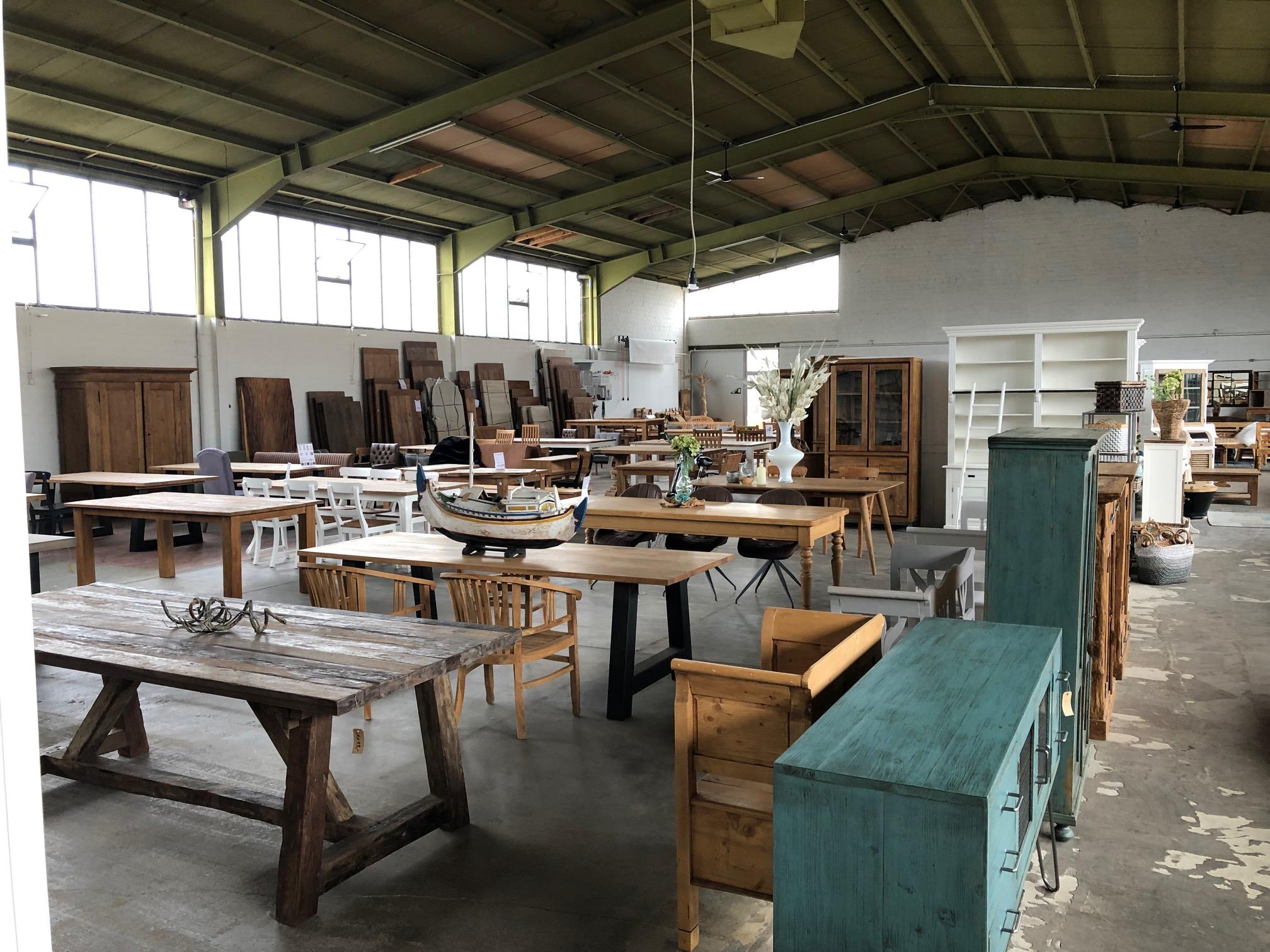 Möbel bei Wohnpalast online kaufen