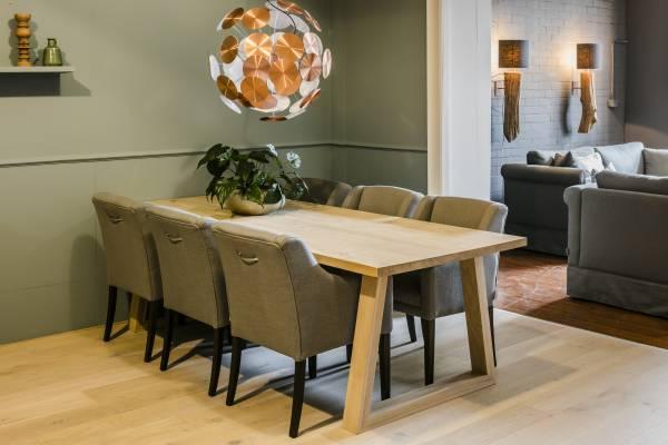 eiche tisch klostertisch massivholz tische esstisch eiche massiv. Black Bedroom Furniture Sets. Home Design Ideas