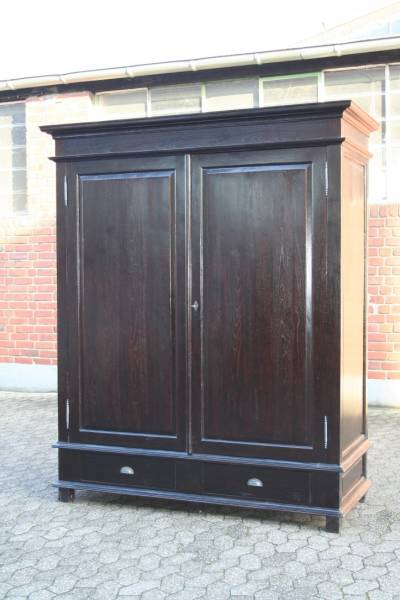 teakholz kleiderschrank kolonial schrank teak 215 cm. Black Bedroom Furniture Sets. Home Design Ideas