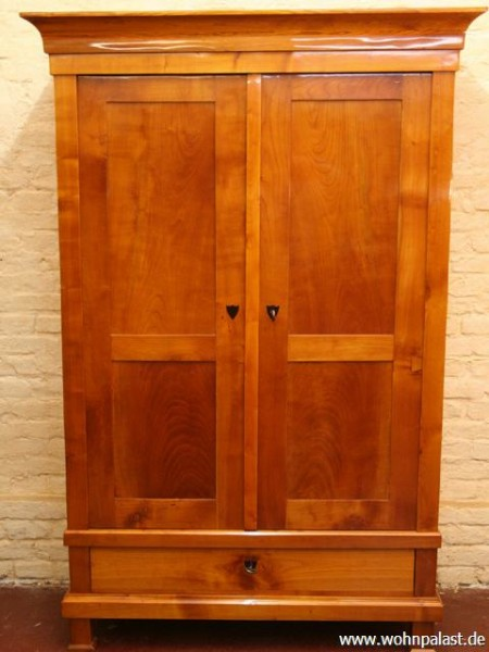 biedermeier kleiderschrank m bel wohnpalast m bel. Black Bedroom Furniture Sets. Home Design Ideas