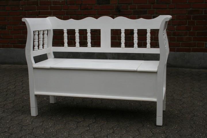truhenbank spindel wei shabby chic m bel wohnpalast m bel. Black Bedroom Furniture Sets. Home Design Ideas