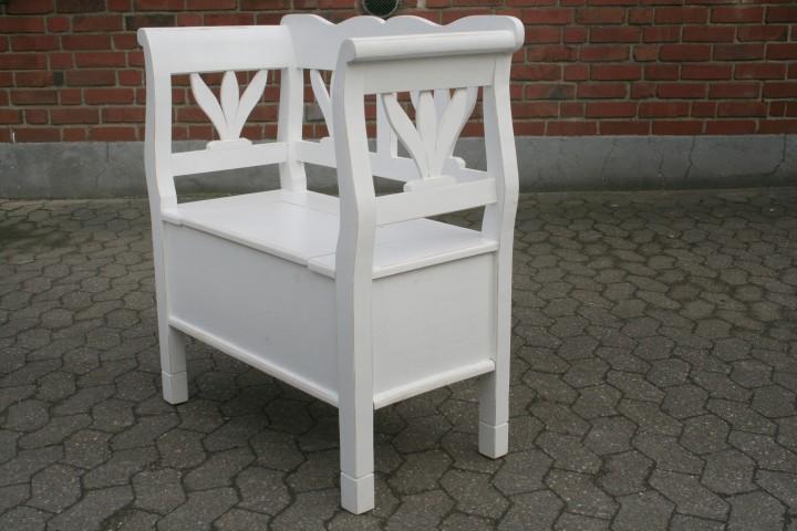 truhenbank tulpe 80 cm wei shabby chic m bel wohnpalast m bel. Black Bedroom Furniture Sets. Home Design Ideas