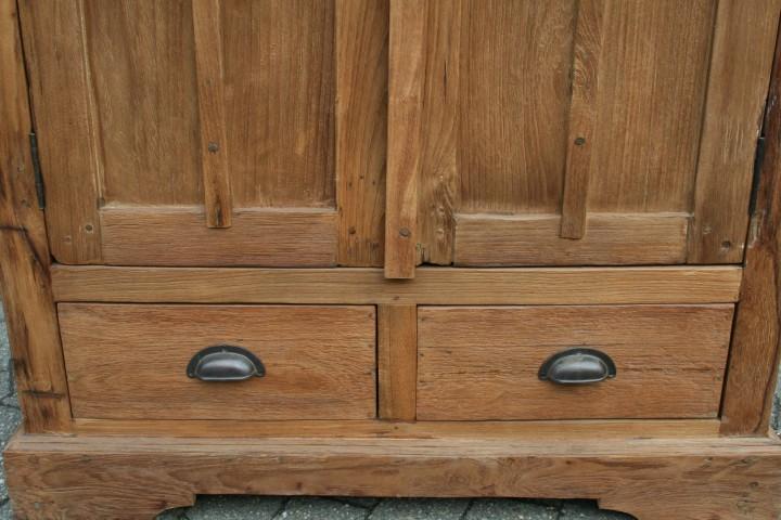 Vitrinen Aus Altholz : Teak schrank aus altholz mit zwei schubladen vintagem?bel wohnpalast m?bel