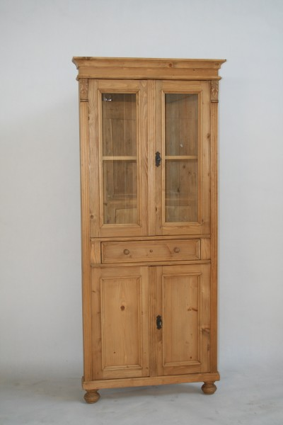weichholz eckvitrine im landhausstil m bel wohnpalast. Black Bedroom Furniture Sets. Home Design Ideas