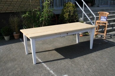 landhaus tisch massivholz ge lt wei tische. Black Bedroom Furniture Sets. Home Design Ideas