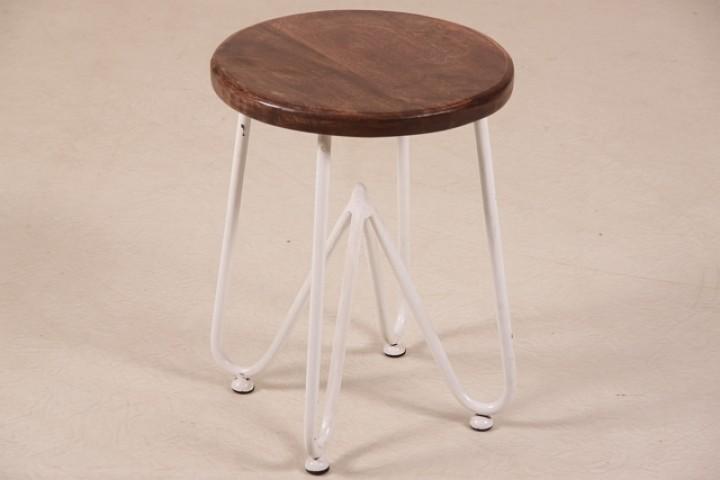 hocker im industrie look mit massivholzplatte vintagem bel. Black Bedroom Furniture Sets. Home Design Ideas
